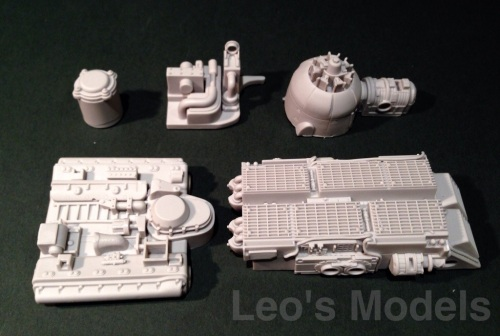 Hexamodel 1/20 Oskar - Engine and internal parts